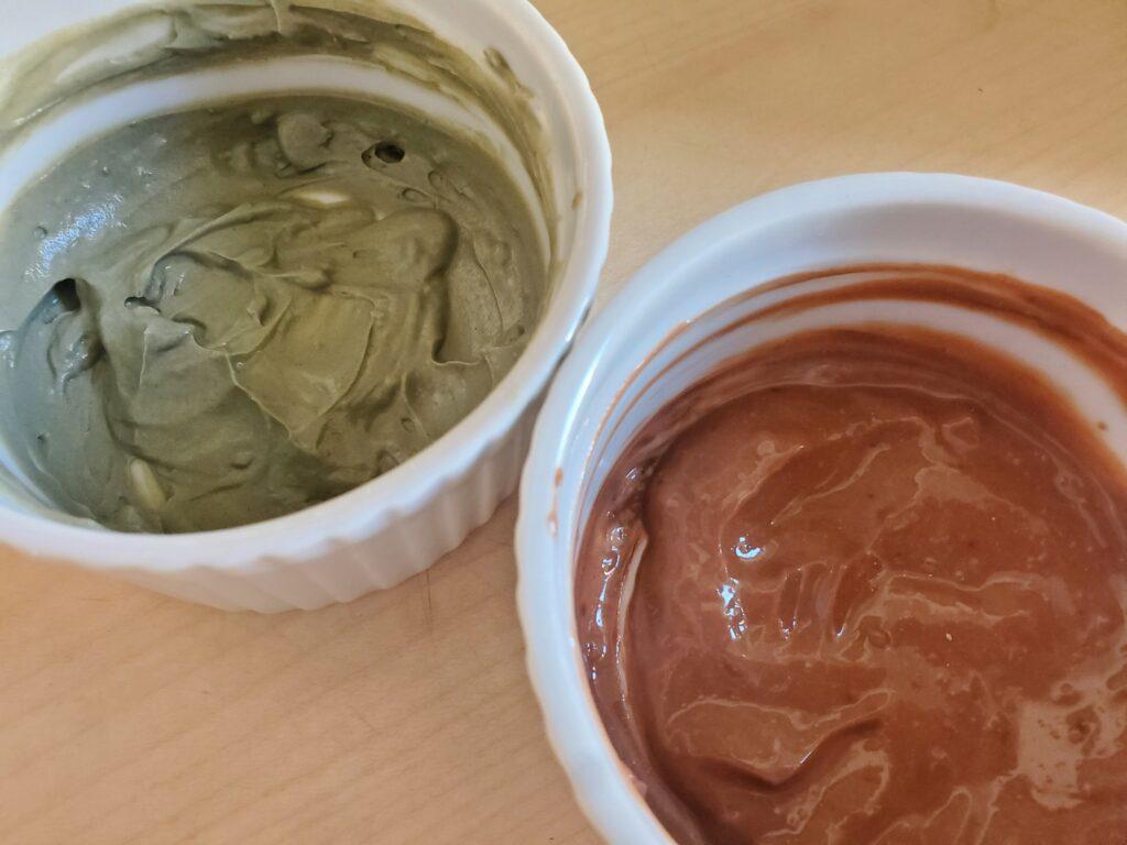 Masque a l'argile verte et rouge pour le visage